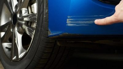 10 pasos para reparar arañazos del coche