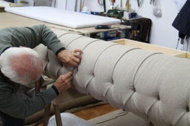 ¿Cuál es el proceso de fabricación de un sofá?